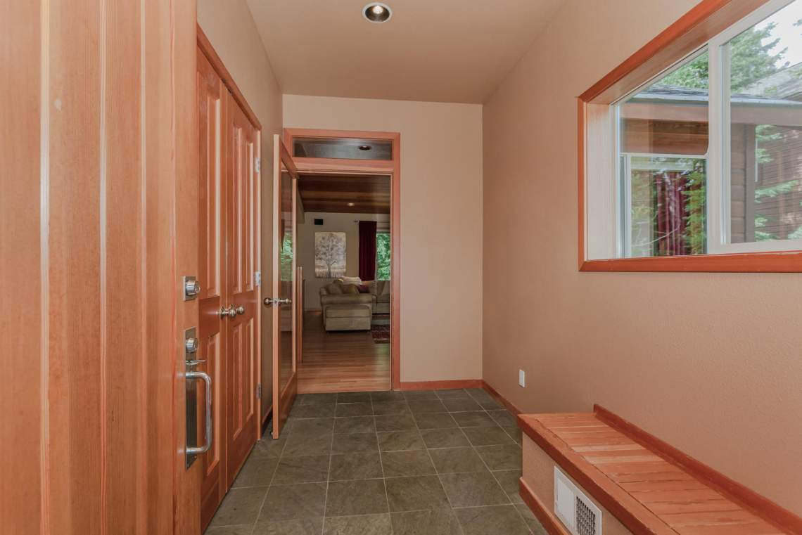 14616 Tyrol Road Truckee CA-large-006-17-Entry Detail-1498x1000-72dpi