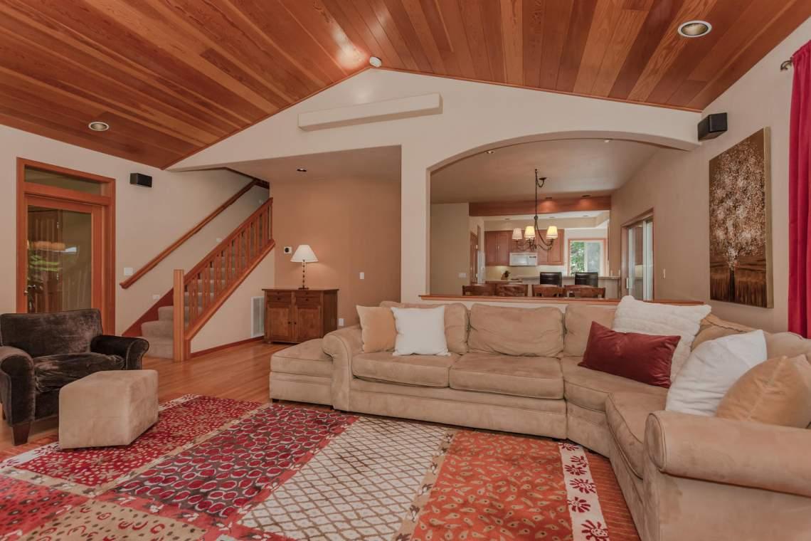 14616 Tyrol Road Truckee CA-large-007-12-Living Room-1500x1000-72dpi
