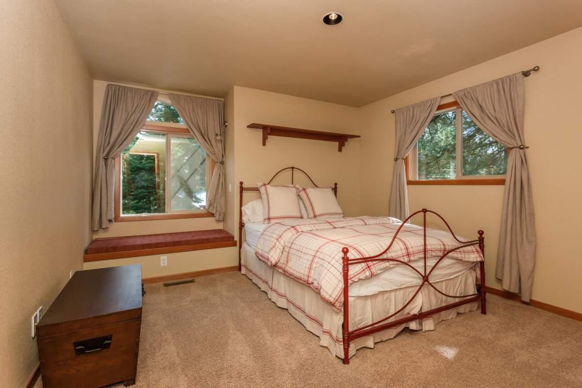 14616 Tyrol Road Truckee CA-large-015-8-Bedroom-1500x1000-72dpi
