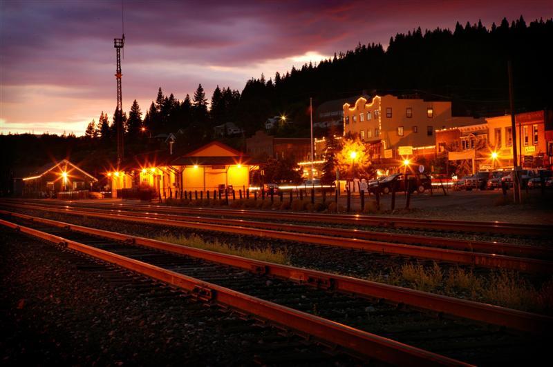 tracks-at-truckee